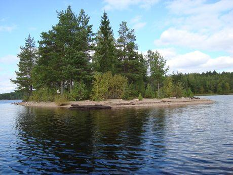 Island to camp during a canoe trip in Sweden